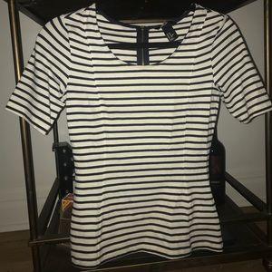 Short sleeve striped zipper back blouse